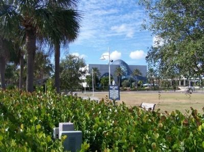 World's First Regularly Scheduled Commercial Airline Marker near the Dali Museum image. Click for full size.