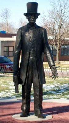Attorney Abraham Lincoln Statue image. Click for full size.