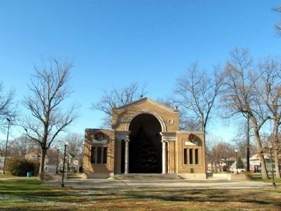 Neoclassical Bandshell image. Click for full size.