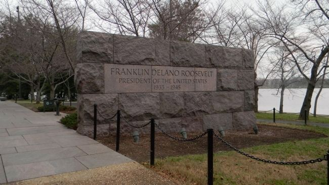 The southeast entrance to the Franklin Delano Roosevelt Memorial - image. Click for full size.