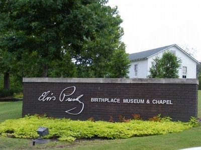 Elvis Presley Birthplace and Memorial Chapel image. Click for full size.