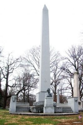 William Clark Monument image. Click for full size.