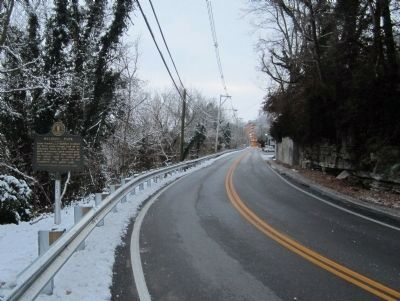 Old Lawrenceburg Rd (facing south) image. Click for full size.