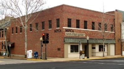 Missouri Petroleum Marketers and Convenience Store Association Building and Marker image. Click for full size.