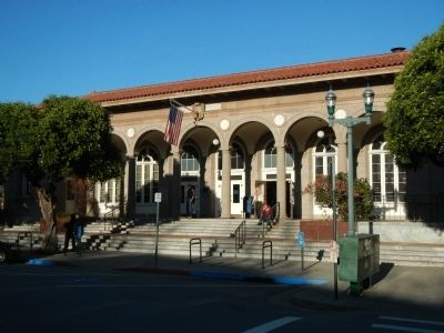 Santa Cruz Main Post Office image. Click for full size.