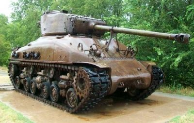 Kingman Memorial Armory Sherman Tank #2557 image. Click for full size.