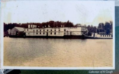 Floating Theatre at Leonardtown Wharf image. Click for full size.