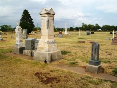 Grigsby Family Plot in Attica Cemetery image. Click for full size.