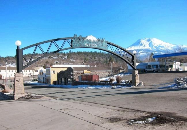Arch, Gas Station & Mountain, Weed, California: 2013 image. Click for full size.