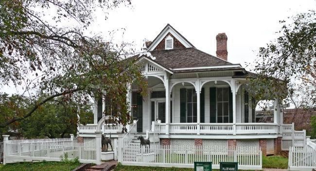 Pillot House in Sam Houston Park image. Click for full size.