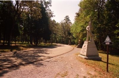 Battleline Road Monuments image. Click for full size.