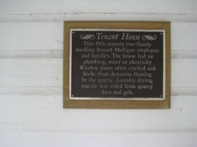 Tenant House Marker image. Click for full size.