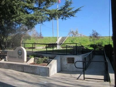 Veterans Memorial Monument at Veterans Memorial Park image. Click for full size.
