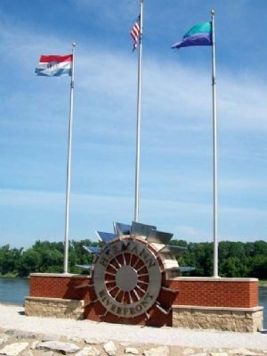Hermann Riverfront Park Sign & Flags image. Click for full size.