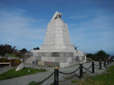 Sloat Monument image. Click for full size.