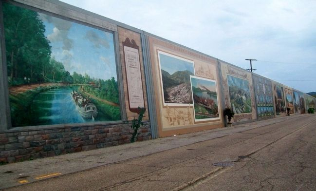 View of Portion of Portsmouth, Ohio's Impressive Floodwall Murals image. Click for full size.