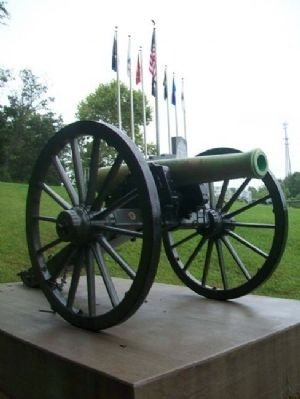 Boyd County War Memorial Cannon image. Click for full size.
