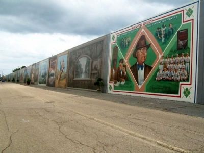 Portsmouth Floodwall Murals by Robert Dafford image. Click for full size.