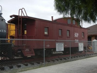 Southern Pacific Caboose # 726 image. Click for full size.
