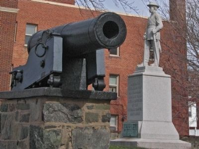 Six-pound gun and New York Cavalry Monument image. Click for full size.