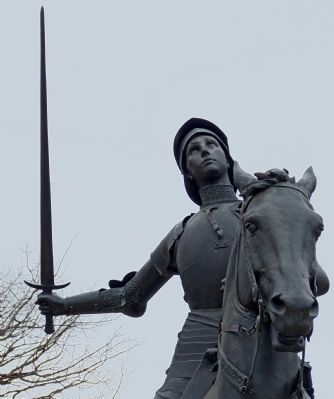 Jeanne d'Arc with Sword image. Click for full size.