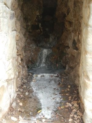 Mineral Springs Grotto image. Click for full size.