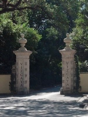 Gate to Vizcaya image. Click for full size.