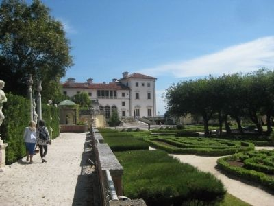 Gardens at Vizcaya image. Click for full size.