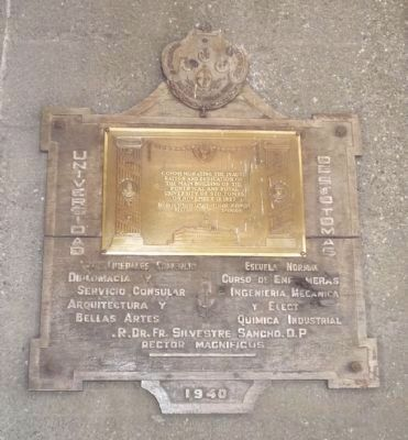 University of Santo Tomas Marker <i>Panel 2</i> [1940] image. Click for full size.