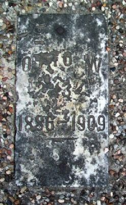 Otto's Grave Marker & Burial Site image. Click for full size.