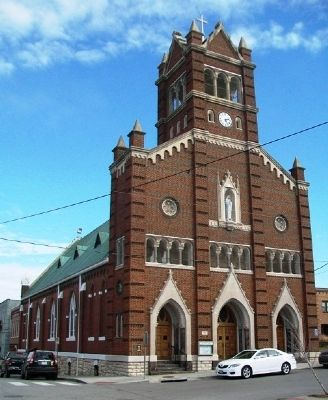 Holy Rosary Catholic Church image. Click for full size.