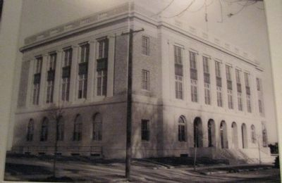 United States Post Office and Courthouse 1933 image. Click for full size.