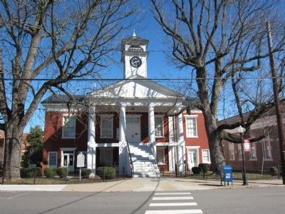 Pittsylvania Court House image. Click for full size.