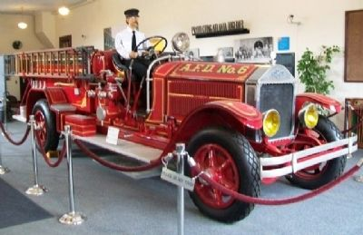 1927 American LaFrance Fire Engine at Historic Fire Station No. 6 image. Click for full size.