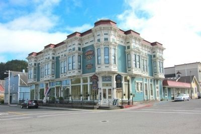 The Victorian Inn/Russ Building, Built 1891 (400 Ocean Avenue) image. Click for full size.