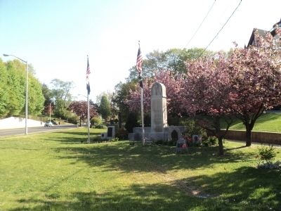 Memorials in Glen Cove image. Click for full size.