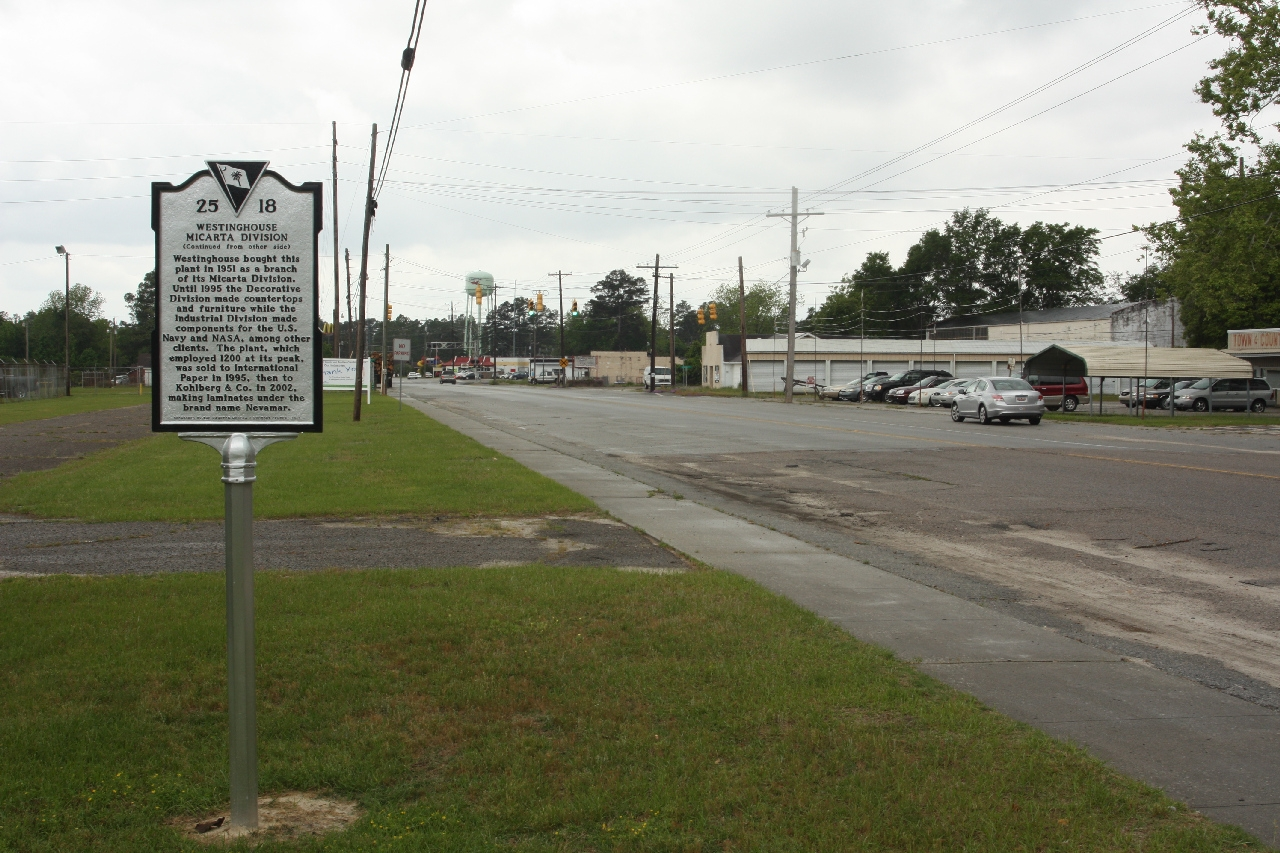 Marker as seen looking south along Hoover Street North