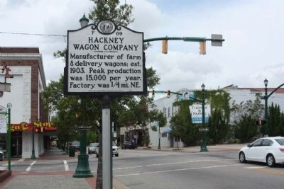 Hackney Wagon Company Marker on East Nash Street (State Road 58) near Pine Street image. Click for full size.