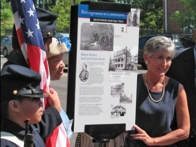 Marker Unveiled image. Click for full size.