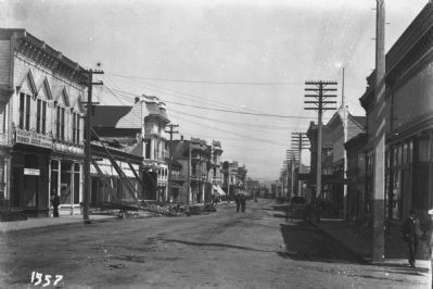 300 Block of Main Street, Looking North, Post-1906 Earthquake image. Click for full size.
