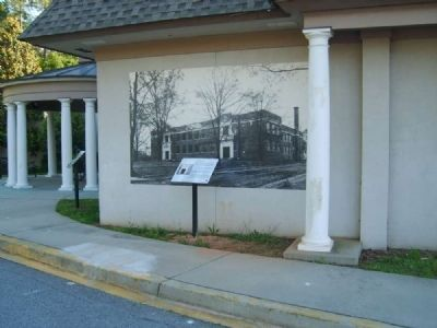 Boy High School Marker and Mural image. Click for full size.