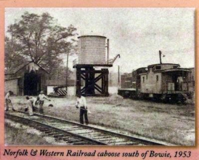 Norfolk & Western Railroad caboose south of Bowie, 1953 image. Click for full size.
