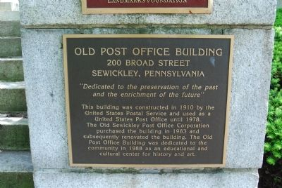 Old Post Office Building plaque image. Click for full size.