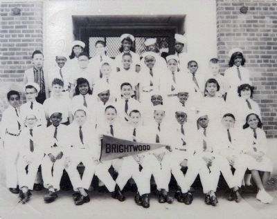 Leo Vondas and his sixth grade class image. Click for full size.