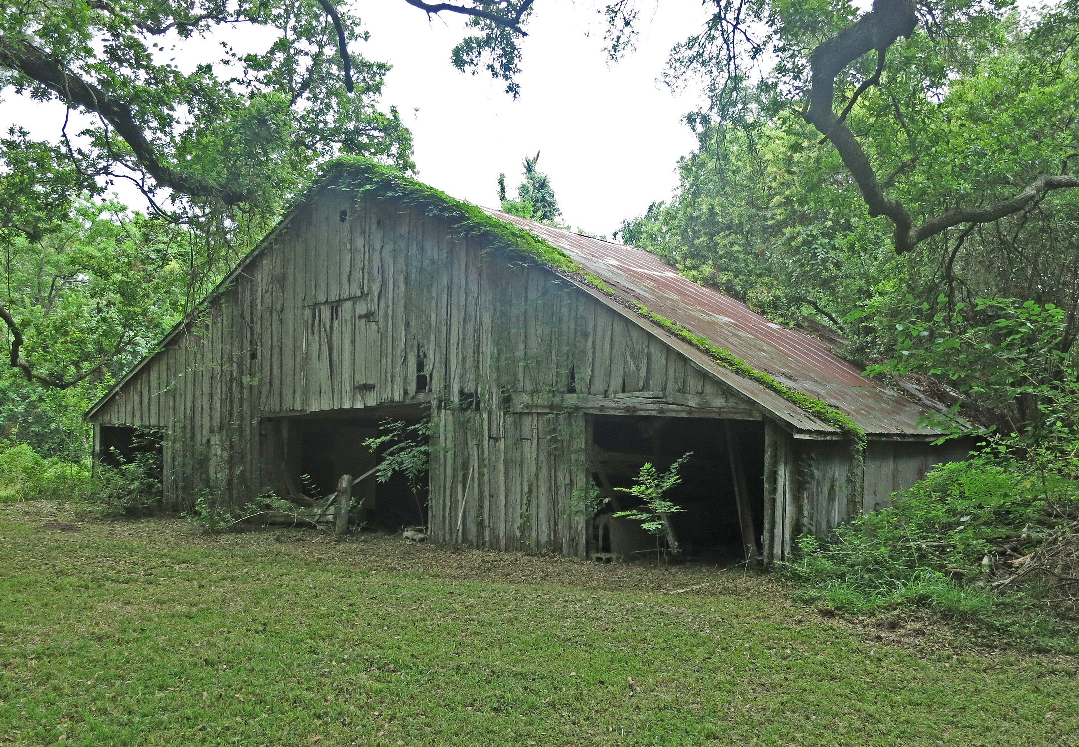 A Current Picture of the Stringfellow Orchards Barn