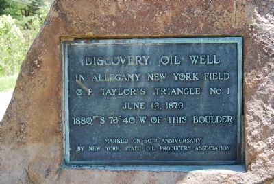 Discovery Oil Well plaque image. Click for full size.