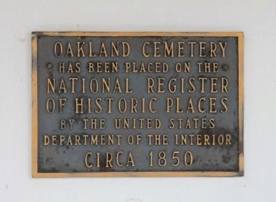 Oakland Cemetery image. Click for full size.