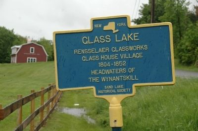 Glass Lake Marker image. Click for full size.