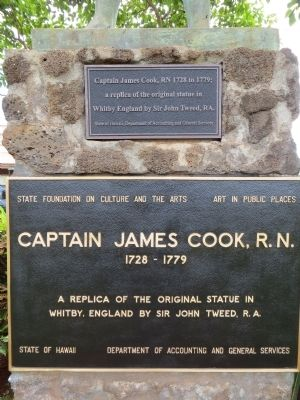 Plaque on Captain James Cook Statue. image. Click for full size.