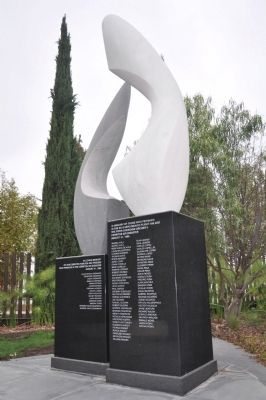 Cerritos Air Disaster Memorial image. Click for full size.